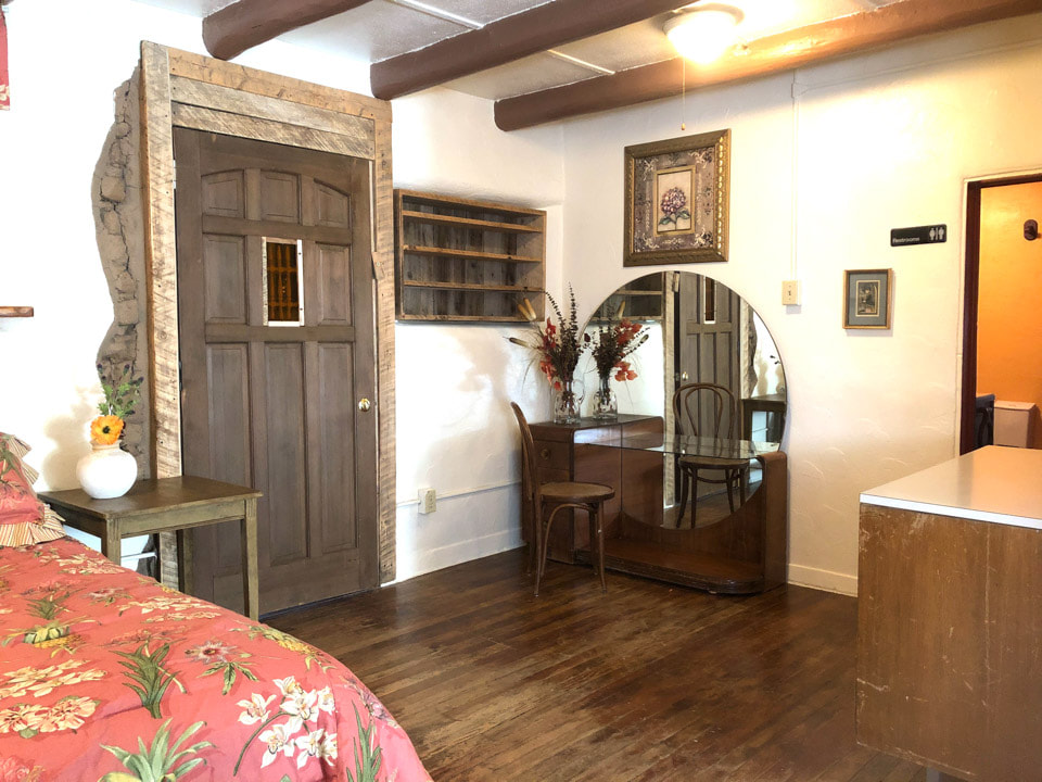 Big Yellow Adobe House Rental-Del Norte CO